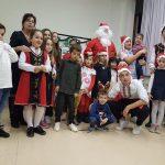 Дядо Коледа раздаде подаръци в Мойет