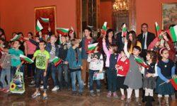 Наши ученици поздравиха близки и приятели в България чрез БНР
