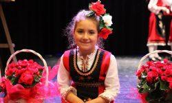 """Сладкопойната Йоана пак спечели първа награда на конкурса """"Аз съм българче"""""""
